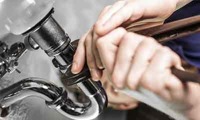 Instalação e reparação de canalizações